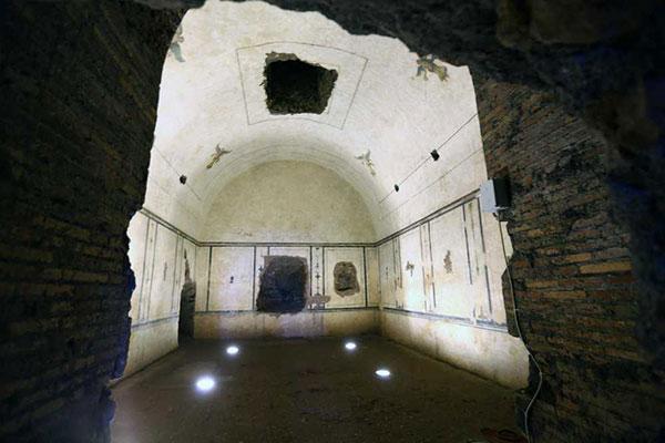 Interior Pirâmide de Roma
